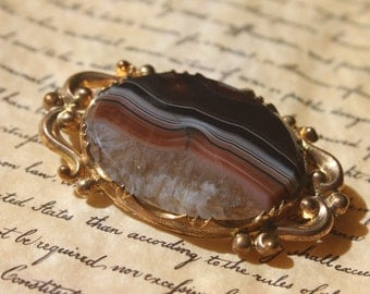 1880's-1900's Antique Victorian Banded AGATE Brooch  -Classic Style-Late Victorian  TT Team
