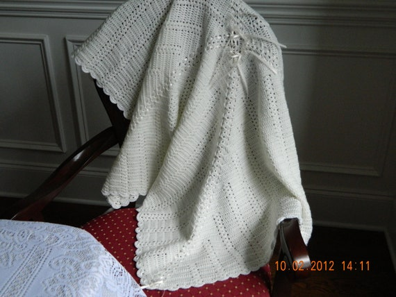 Antique white crocheted baby blanket in Paton Beehive Fingering Baby soft, quality yarn, pearl shell edging, READY TO SHIP