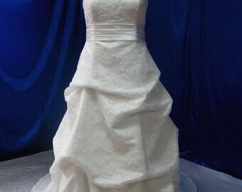Plus Size Wedding Dress Strapless