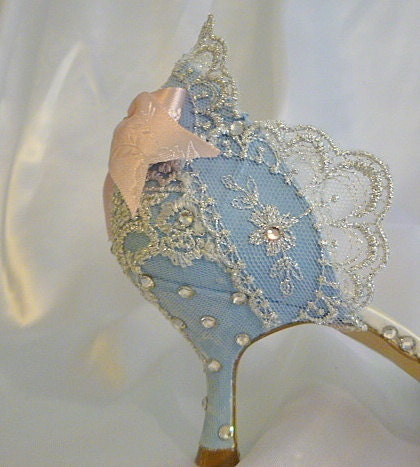 unique wedding shoes elegant crystal bows rhinestones