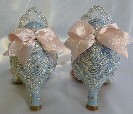 wedding shoes crystals sparkles unique bows ribbons lace