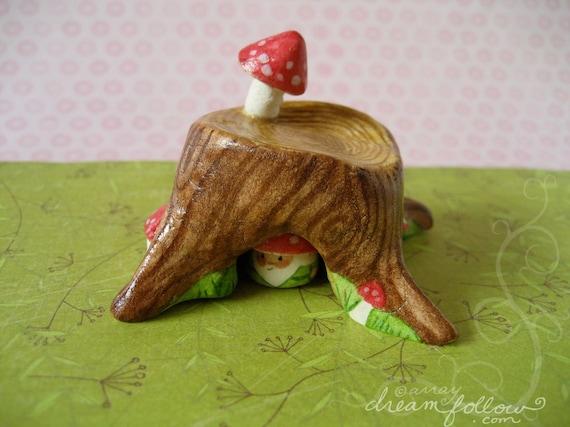 NOM home Mushroom Tree Stump habitat