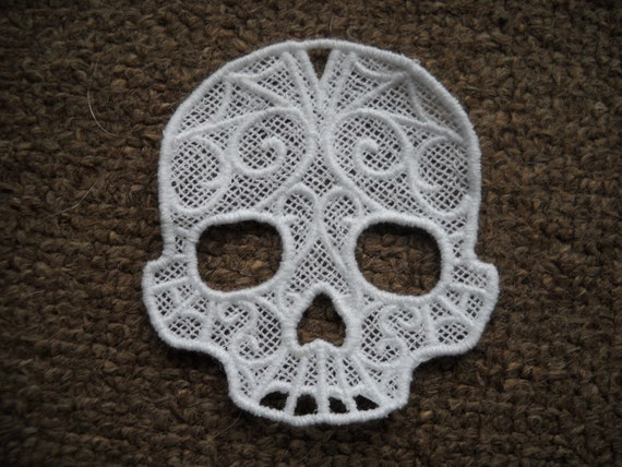 Freestanding Lace Skull Scroll Ornament Gift Tag Embroidery