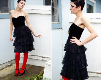 Jolie Madame GOTHIC 1980's Vintage Sexy Black Lace & Velvet Cupcake Dress with a Sweetheart Neckline size X Small