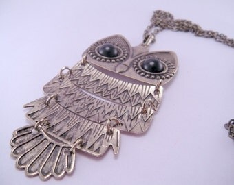 Bronze Vintage  Owl Pendant Necklace with 29 Inch Alloy Chain