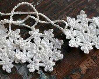 Crochet Garland - Small Doily Bunting -- Snowflake garland - white linen -- 16 snowflakes