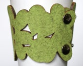 cozy/cuff SNAP - reusable cup sleeve and bracelet in light green wool felt - SALE - free shipping