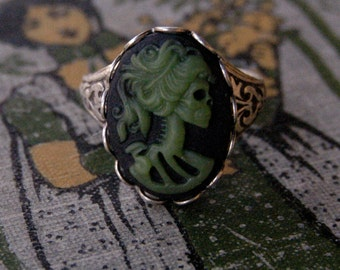 Skeleton Lady Cameo Ring- Green, Black and Silver