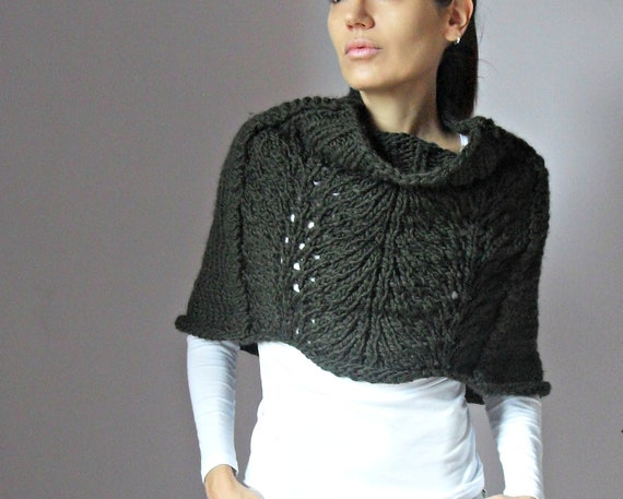 Knitting Pattern For Lace Poncho : Hand Knit Capelet Poncho Green Forest weaving lace by Silvia66