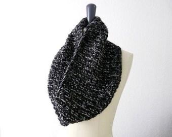 Double Loop Knit Infinity Scarf. Dark Black and Gray Alpaca Wool Blend. Men / Women. Urban / Fall / Winter Fashion