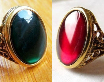 Vintage Gold Plated Ruby Red and Green Resin Rings (1 of each) (J577)