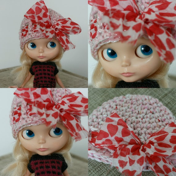 bow pomp cloche in pink, red hearts