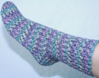 Women's 7-9 Ankle Socks Hand-knit by Janie Bull, Lavendar Fields