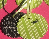 Along Came A Spider - Scalloped Gift Tags