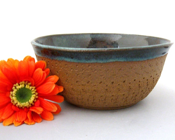 Bare Bottom Serving Bowl -38 oz - Stoneware Pottery