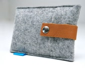 iPhone 5 case, Felt & Leather strap