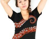 Women's Octopus Tshirt, Tentacle tee, Octohug Womens Black Cotton t-shirt, Deep Vneck for her, girls top, Octopi, Underwater Sea, Nautical t