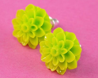 Chrysanthemum Flower Ear Posts - Lime Green