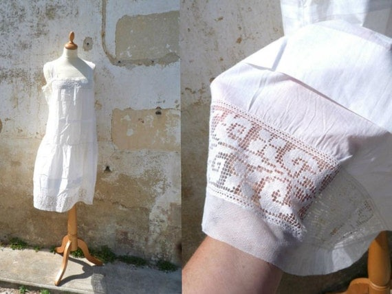 Edwardian 1900/1910 cotton batiste dress underdress with thin lace on veil  size S/M
