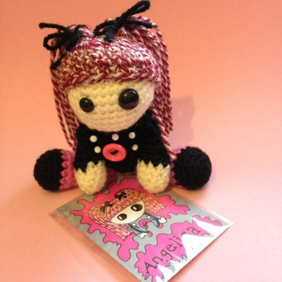 Amigurumi Magic Doll : Angelica the Amigurumi Voodoo Doll
