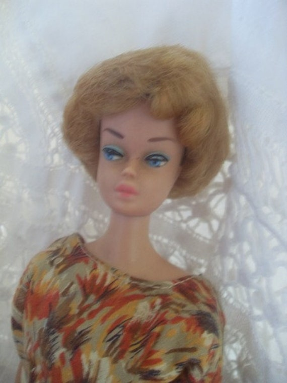 1960s midge barbie doll with removeable bubble wig