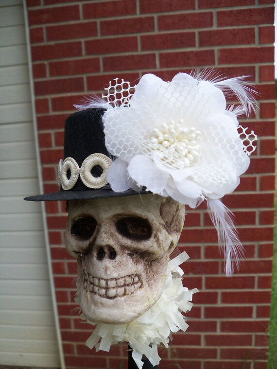 Lovely Ivory Halloween Decoration