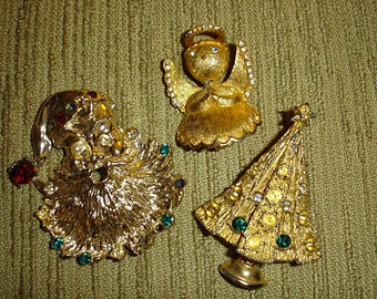CRAFTY CHRISTMAS - vintage jewelry destash holiday  rhinestone brooches to repurpose or upcycle