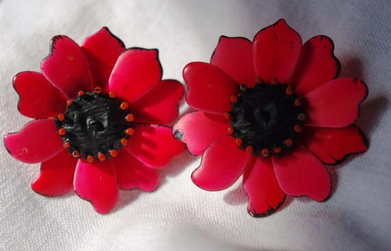 Red Orange Ceramic Painted Flower Earrings circa 1970