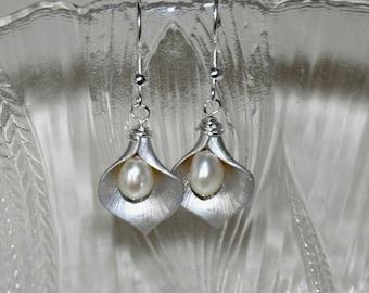 Calla Lily Earrings,  Flower Earrings,  Freshwater Pearl Earrings, Silver Earrings,  Dangle Earrings, Wedding Jewelry, Sterling Silver