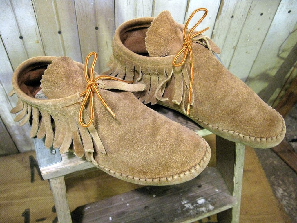 Taos Moccasin Fringe Ankle Boots 70s Vintage Tan Brown Shoes