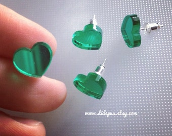 Green mirror stud heart earrings
