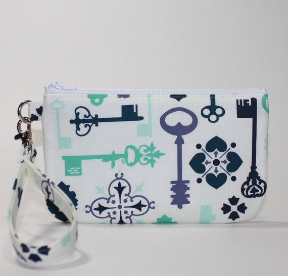 Wristlet / Padded Zipper Pouch -  Antique Keys