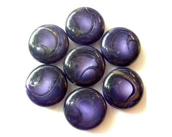 6 Vintage buttons purple plastic 20mm, Sweet buttons