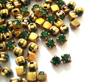 20 Antique vintage Swarovski cabochon green crystal mounted in brass setting cut 1100
