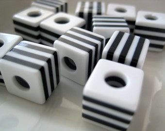 Vintage black and white striped cube beads 10mm (10)