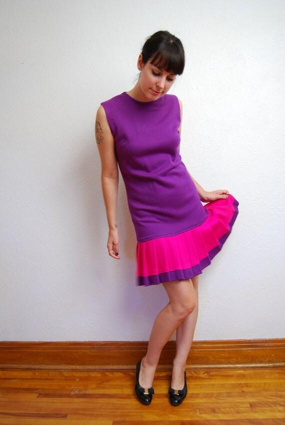 vintage 1960s / pink and purple / pleat / drop waist / mod / color black dress / S