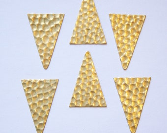 No Hole Raw Brass Geometric Narrow Hammered Triangle Pendant Charm (6) mtl369C