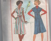 1970s vintage pattern Simplicity 7578 size 12 14 bust 34 36 waist 26 1/2 28 hip 36 38 1976 Misses' Dress or Jumper