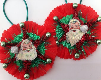 SANTA CLAUS red+green Christmas vintage style chenille ORNAMENTS set of 2 medallions