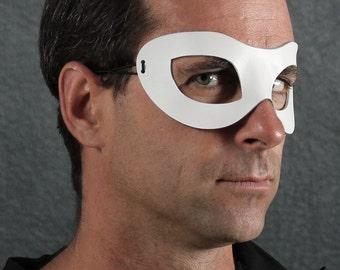 Incognito Leather mask in white size M/L
