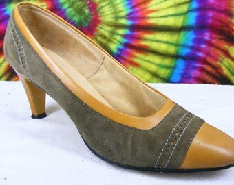 6.5 B vintage 70's two tone brown smooth and suede leather Deliso spectator pumps heels shoes