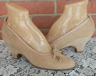 NOS Vintage 70s Shoes / Neutral Sand Beige Corduroy / Kitten Heels