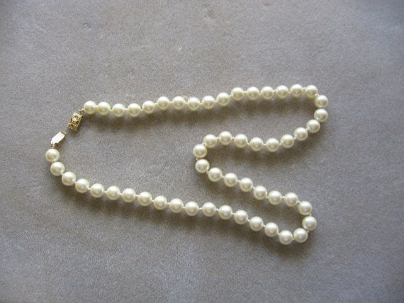 Monet vintage pearl necklace cream colored with goldtone clasp