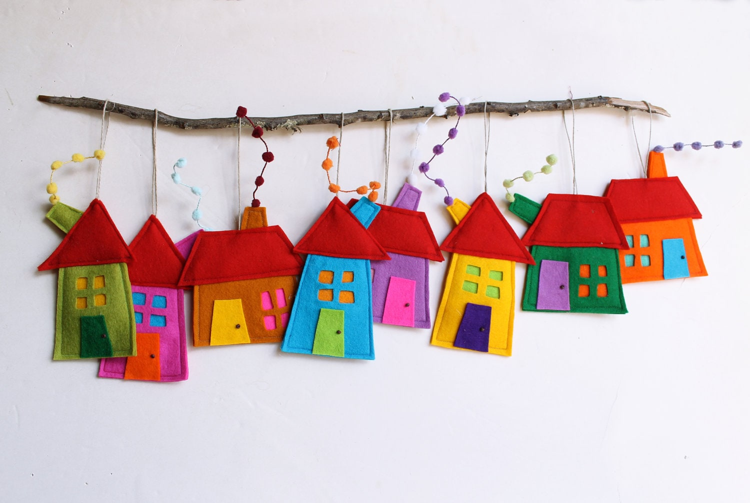 House ornaments decoration set of eight felt houses for wall for Art for decoration and ornamentation