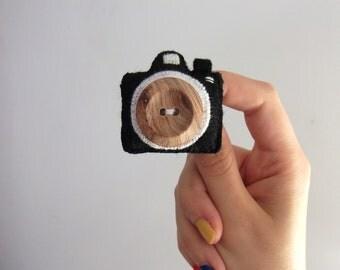 camera felt brooch