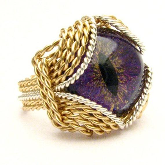 Handmade Artisan Gothic Steampunk Dragon Eye 3D Hand Painted Glass Ring