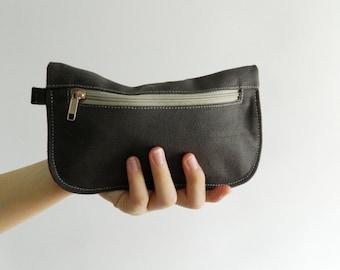Sale Sale Sale  20% Sale -   // D- Pouch in GRAY  // Wallet / clutch / cosmetic bag / iphone case / travel / Women / Pouch