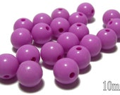 BULK QUANITITES 10mm Smooth Round Acrylic Beads in Lilac purple 70 beads