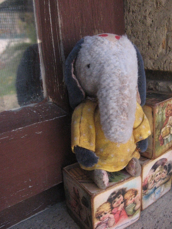 SMALL ELEPHANT tiny ooak  Handmade primitive vintage old antique artist miniature faux mohair mini gift teddy bear Katy Nissen Raggy Bears