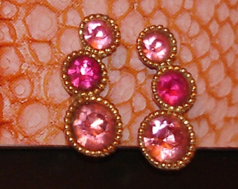 festive vintage SARAH COVENTRY fuchsia pink jewels gold clip on earrings